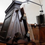 Santuario Francescano Greccio, Chiesa di San Bonaventura - particolare del leggio con antica lampada