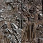 Santuario Francescano Greccio, Portale bronzeo della Chiesa Nuova