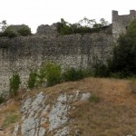 Rocchettine: Mastio circolare e torre quadrata