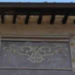 Orvinio - Fregi di un'abitazione sul corso