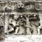 Nimes - Cattedrale - Bassorilievo Adamo e Eva