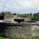 Tuscania - Fonte e Basilica di San Pietro